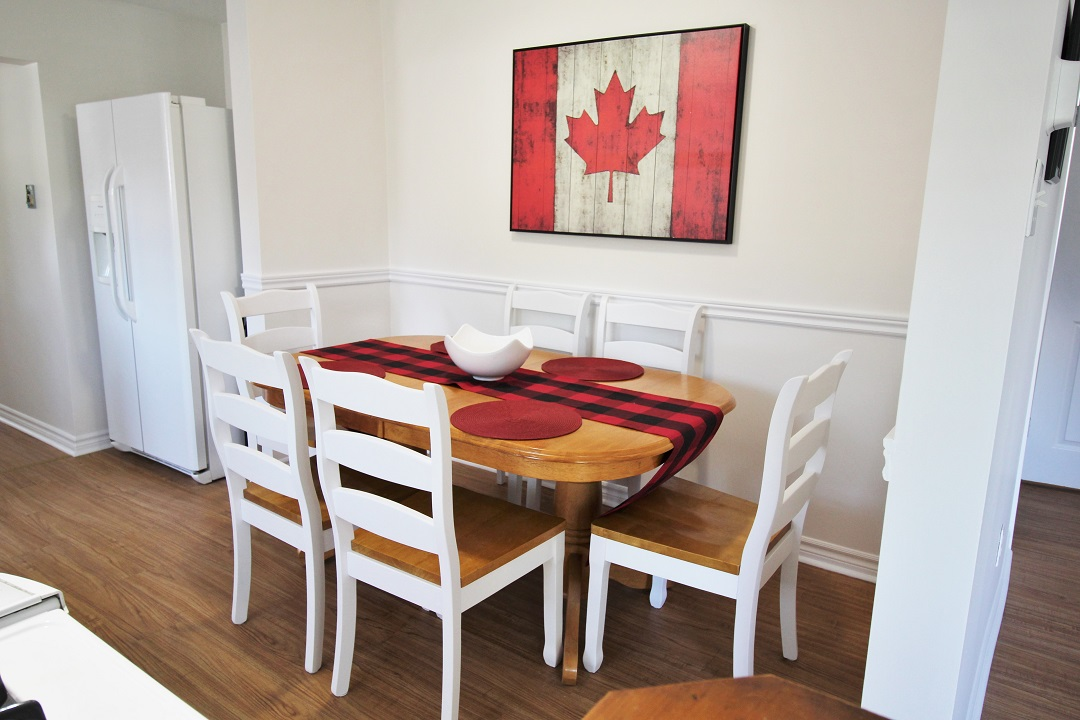 Sunnyside Place - white kitchen chairs - Crystal Beach