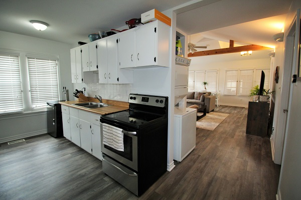 Shady Sands-kitchenliving-crystal beach