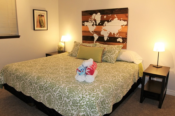 Benchview-Beamsville-downstairs bedroom-Holiday Homes Property Management