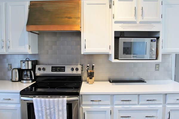 Benchview-Beamsville-kitchen2-Holiday Homes Property Management