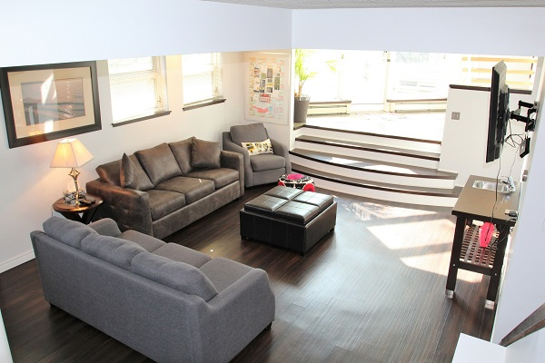 Benchview-Beamsville-lounge-Holiday Homes Property Management