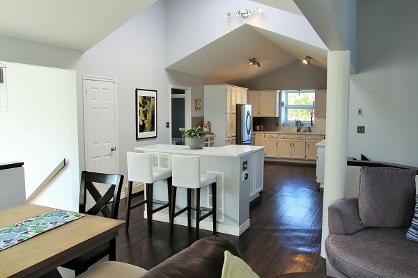 Benchview-Beamsville-main floor-Holiday Homes Property Management