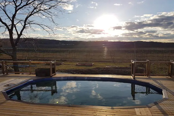Benchview - Swimming Pool, Hot Tub, King Bed, Bench Brewery Beamsville