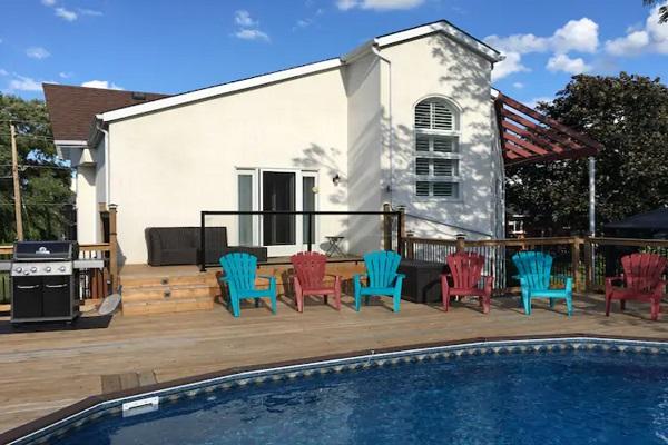 Benchview - Swimming Pool, Hot Tub, King Bed, Niagara Region Wine Tours