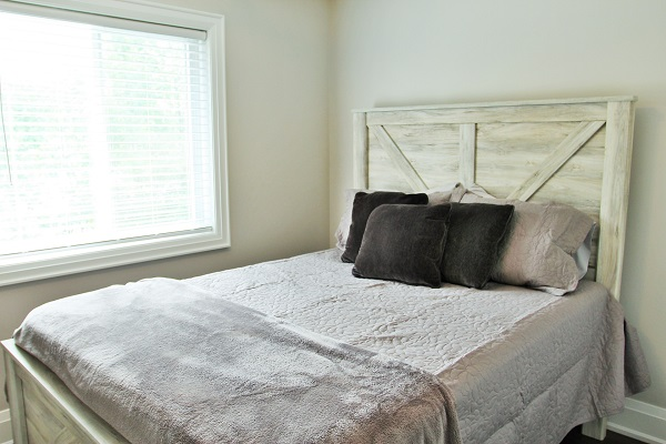 Crystal Clear Cottage-Bedroom 3-Crystal Beach-HollidayHomesPM 600x400