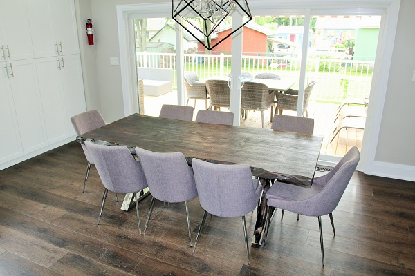 Crystal Clear Cottage-dining room2-Crystal Beach-HolidayHomesPropertyManagement 600x400