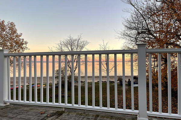 WaverlyPlace-balconyview-Cottage Rentals-Fort Erie-Holiday Homes Vacation Rental Property Management (600x400)