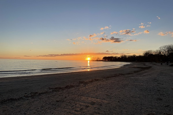 WaverlyPlace-beach2-Cottage Rentals-Fort Erie-Holiday Homes Vacation Rental Property Management (600x400)