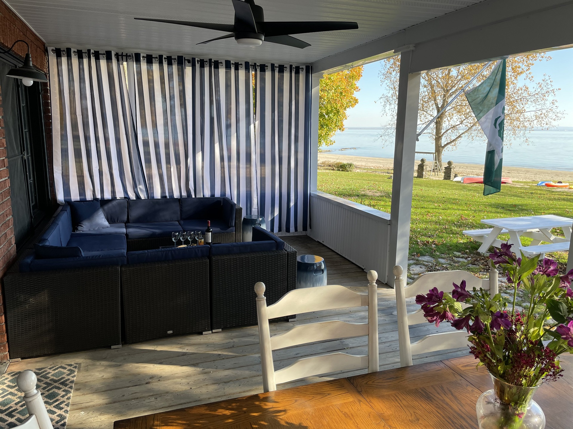 WaverlyPlace-backporch2-Cottage Rentals-Fort Erie-Holiday Homes Vacation Rental Property Management