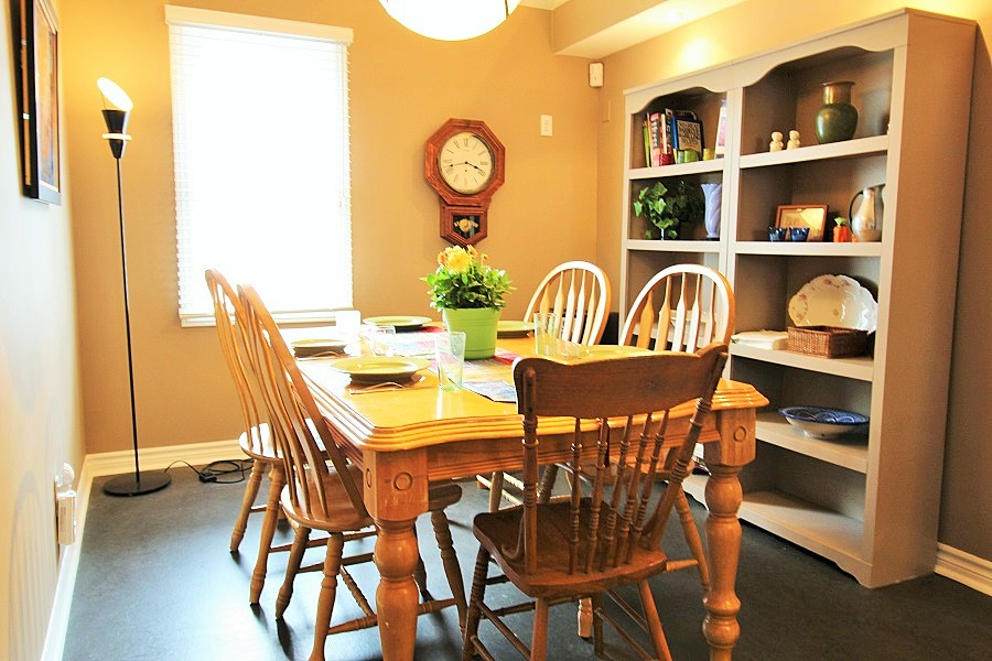 Derby Retreat Dining area - Crystal Beach Cottage Rentals (900x600) (2)
