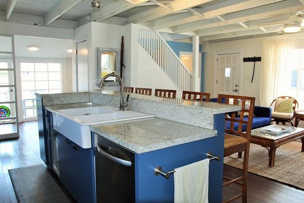 Mi Casa Es Su Casa – Holiday Homes Property Management – Crystal Beach – Kitchen 2 (600x400)