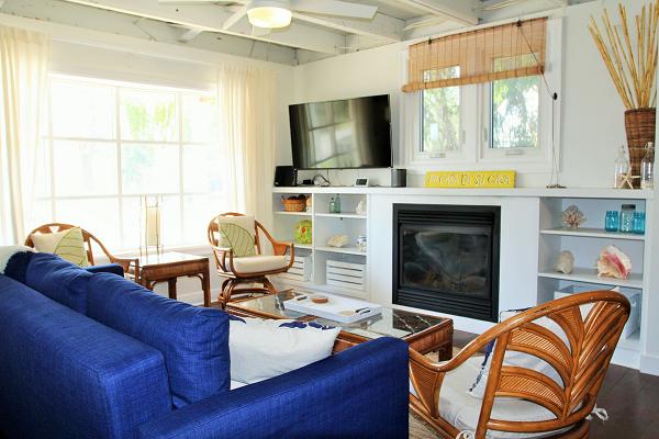Mi Casa Es Su Casa – Holiday Homes Property Management – Crystal Beach – Living Room 3 (600x400)
