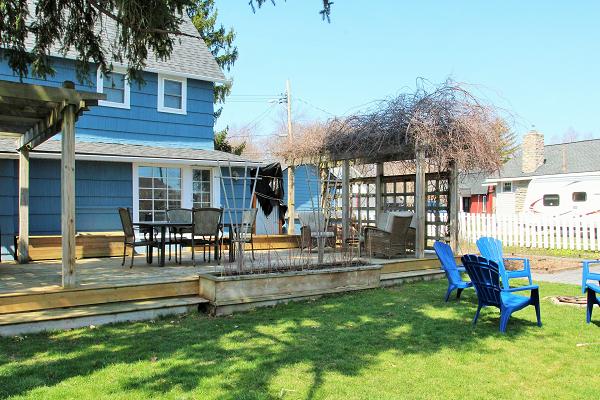 Mi Casa Es Su Casa – Holiday Homes Property Management – Crystal Beach – backyard 3 (600x400)