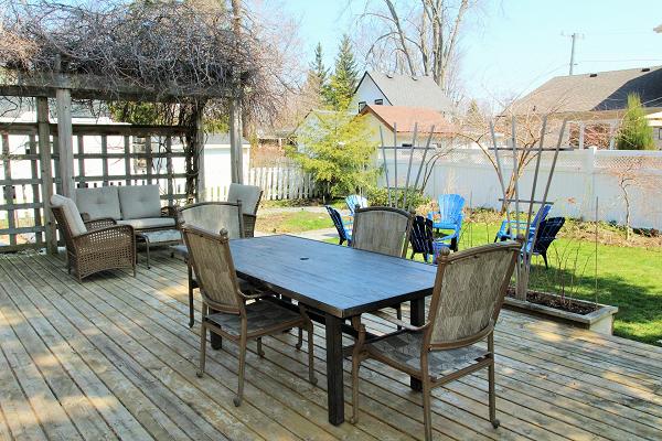 Mi Casa Es Su Casa – Holiday Homes Property Management – Crystal Beach – backyard (600x400)