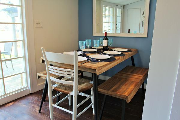 Mi Casa Es Su Casa – Holiday Homes Property Management – Crystal Beach – dining room (600x400)