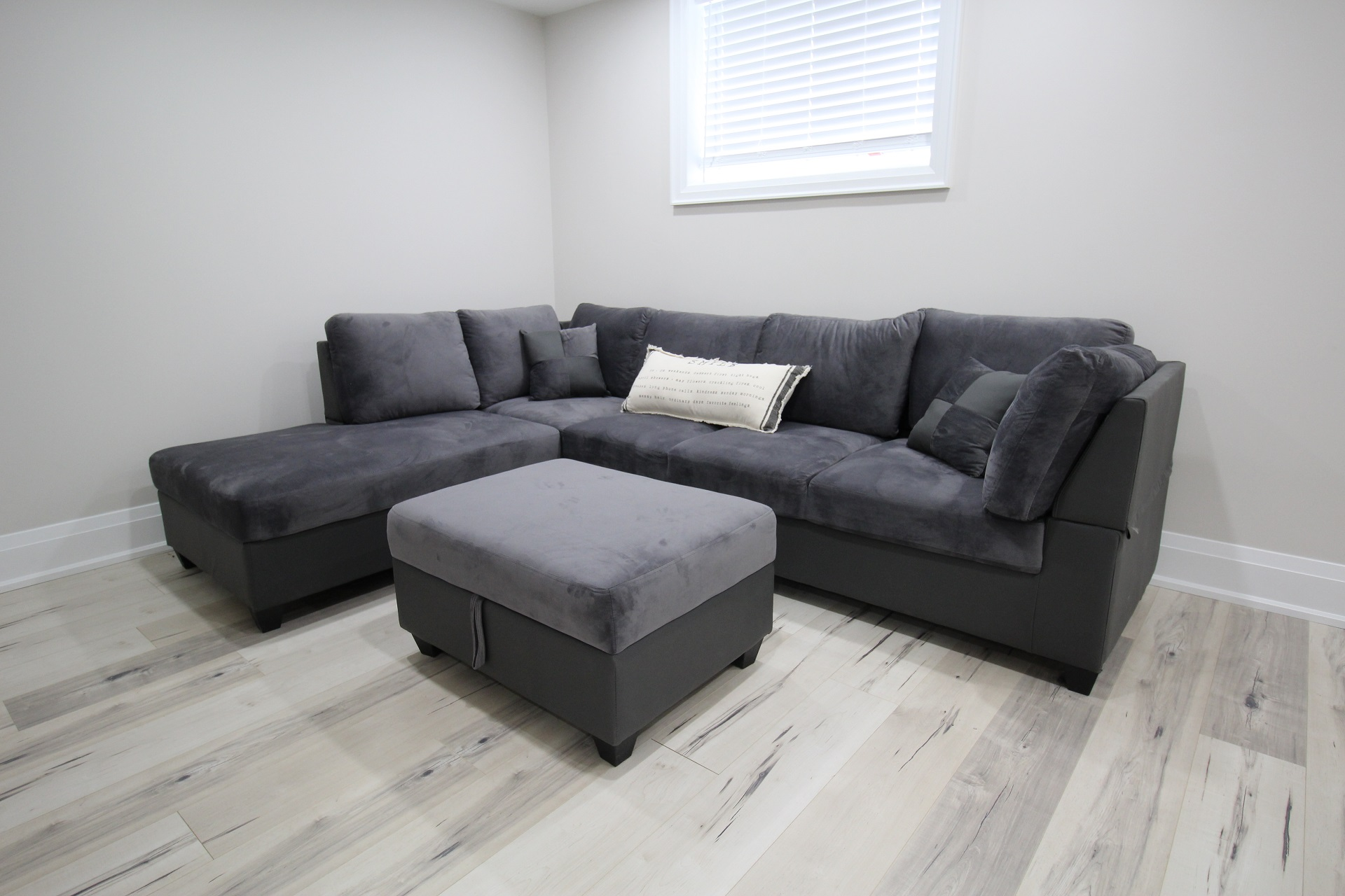 Crystal Clear Cottage - basement seating - Crystal Beach - HolidayHomesPropertyManagement