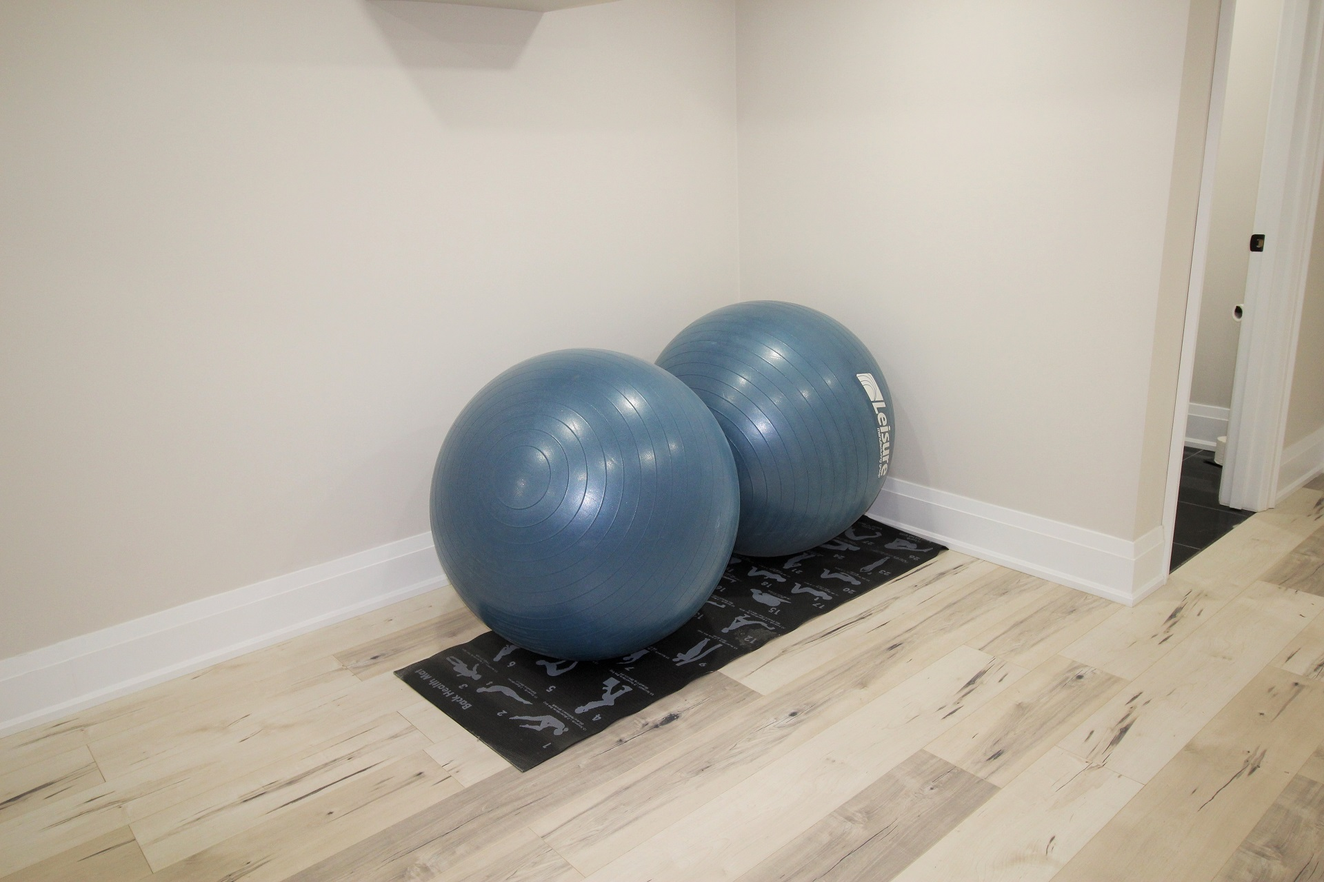 Crystal Clear Cottage - exercise equipment - Crystal Beach - HolidayHomesPropertyManagement
