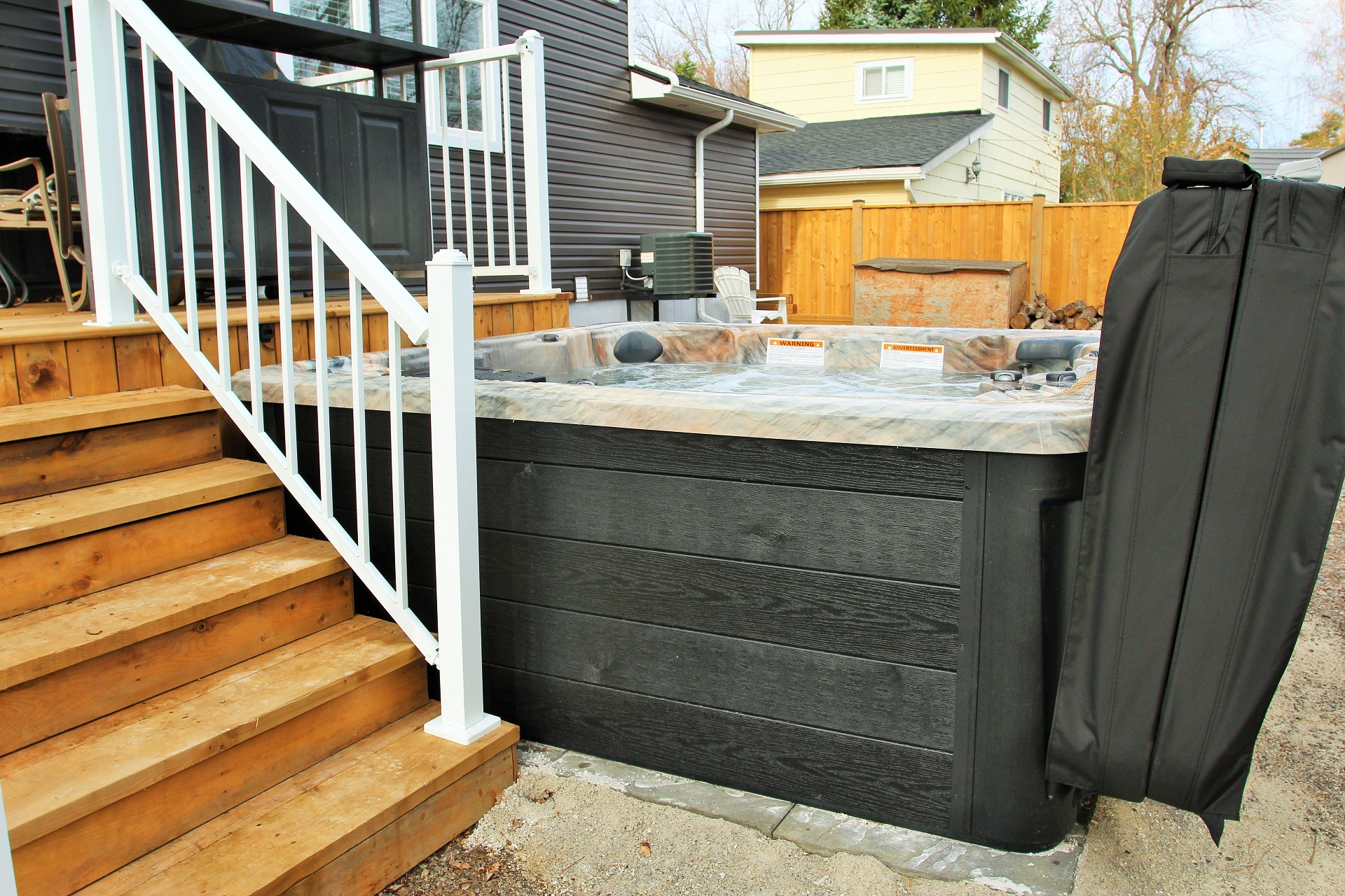 Crystal Clear Cottage-hot tub2-Holiday Homes Property Management-Crystal Beach