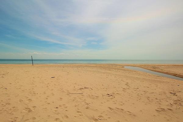The Coach House-Port Colborne-HolidayHomesPropertyManagement-Beach4 (600x400)