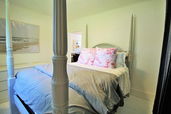 West Wind-bedroom1-Crystal Beach-HolidayHomesPropertyManagement (600x400)