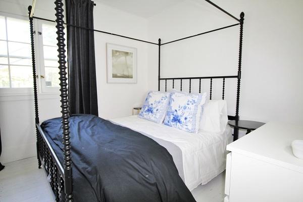 West Wind-bedroom2-Crystal Beach-HolidayHomesPropertyManagement (600x400)