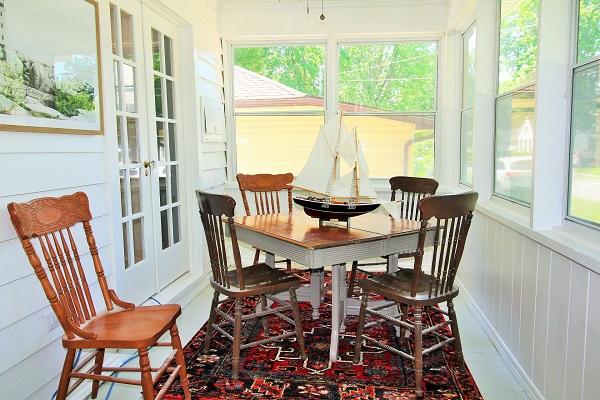 West Wind-enclosed porch2-Crystal Beach-HolidayHomesPropertyManagement (600x400)