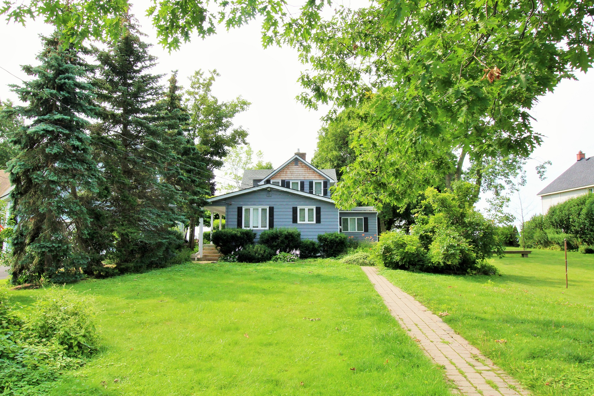 Lakeside Paradise - Fort Erie 2- Holiday Homes Property Management
