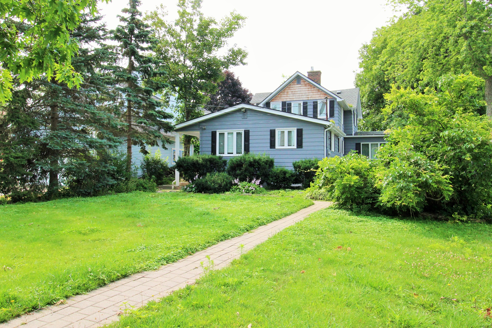 Lakeside Paradise - Fort Erie 3- Holiday Homes Property Management