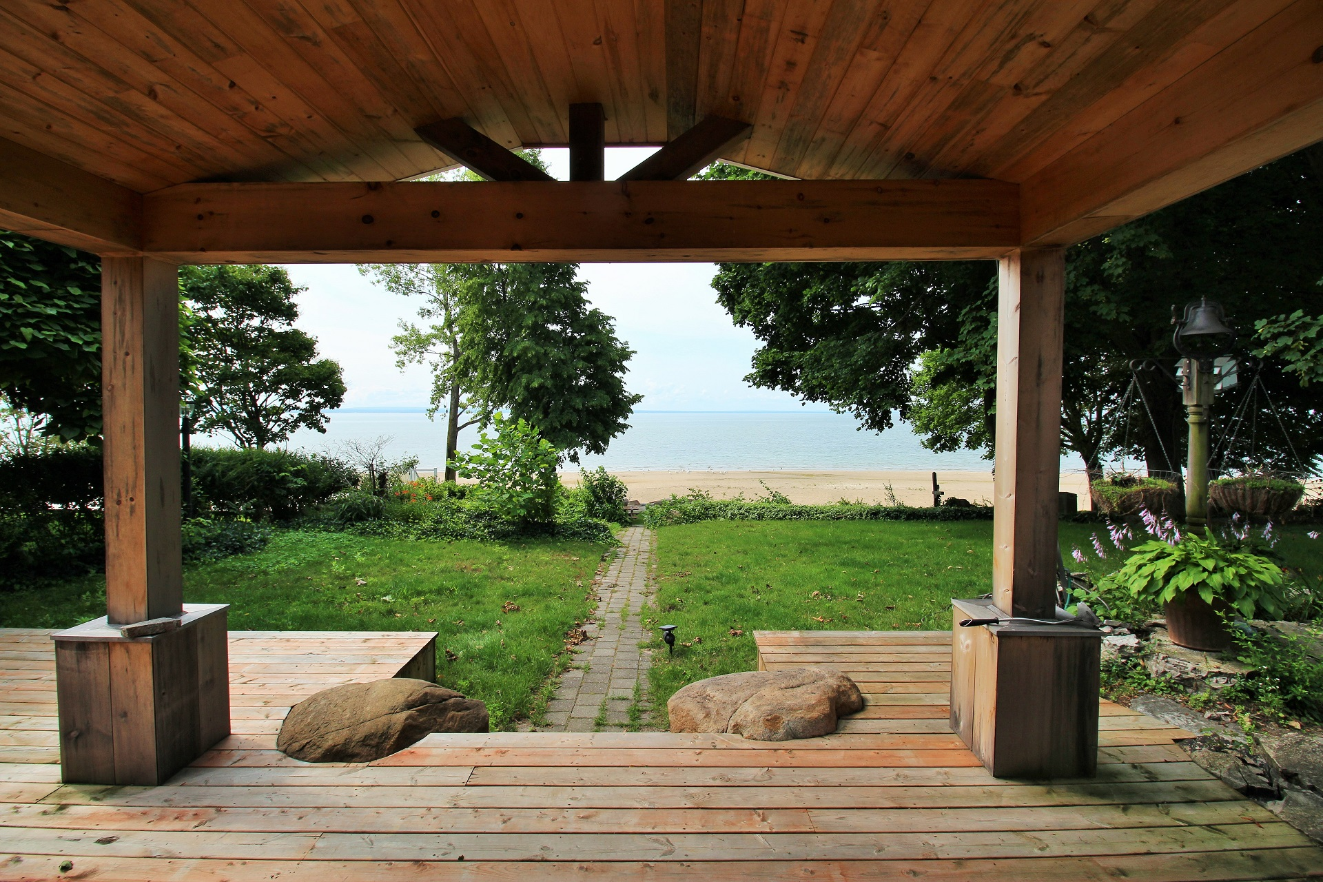 Lakeside Paradise - Fort Erie 4- Holiday Homes Property Management