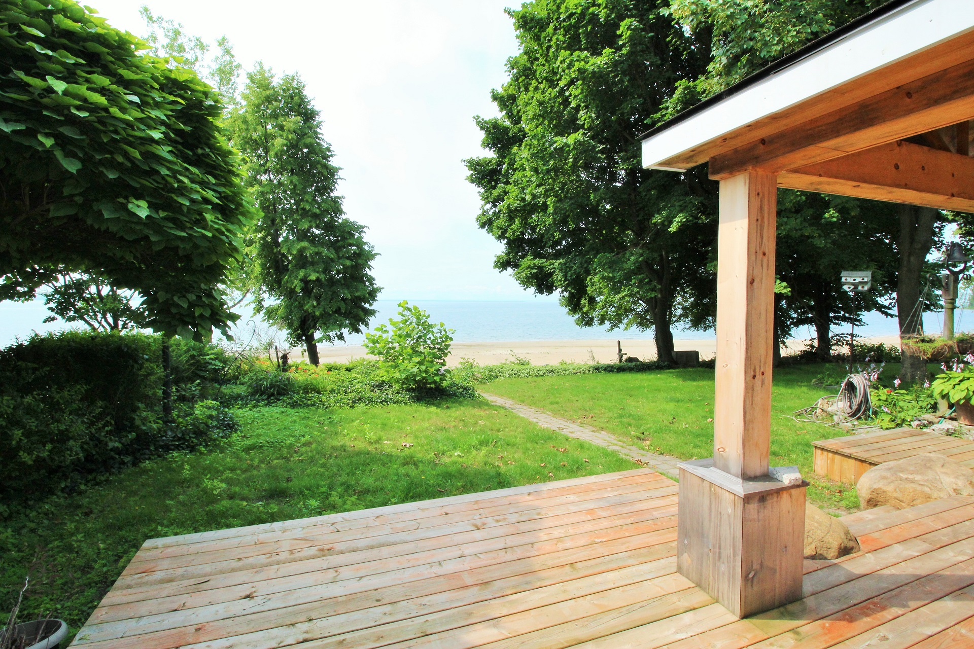 Lakeside Paradise - Fort Erie 5 - Holiday Homes Property Management