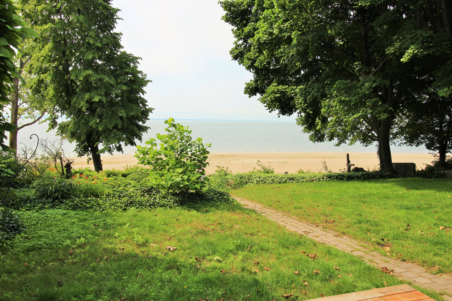 Lakeside Paradise - Fort Erie 6 - Holiday Homes Property Management