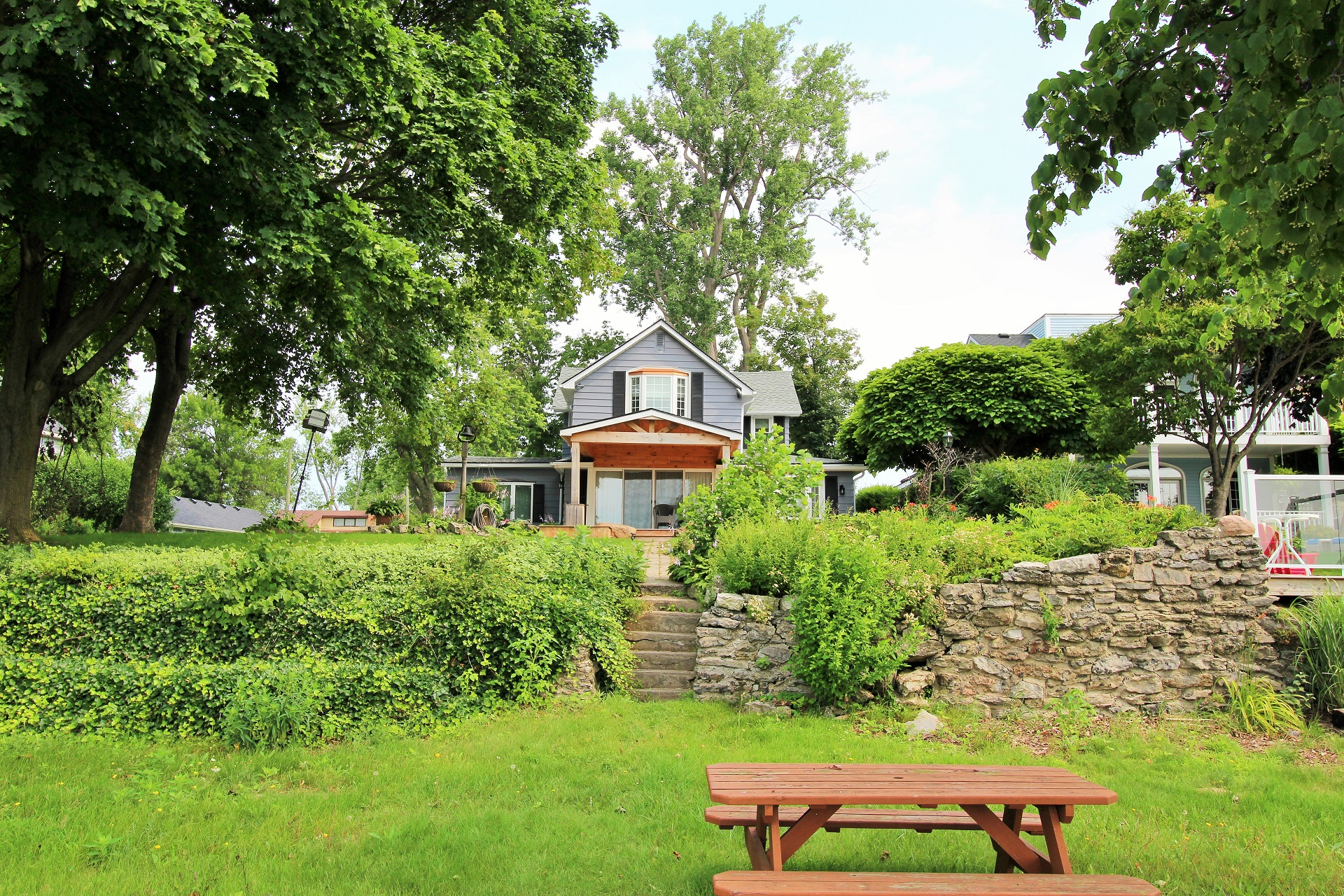 Lakeside Paradise - Fort Erie 7- Holiday Homes Property Management