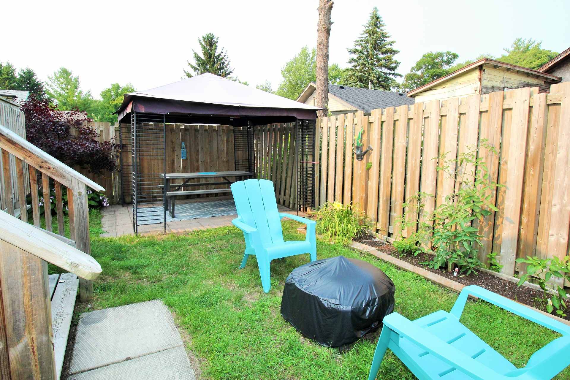Mary Jane's Haven - back yard - Crystal Beach - Holiday Homes Property Management