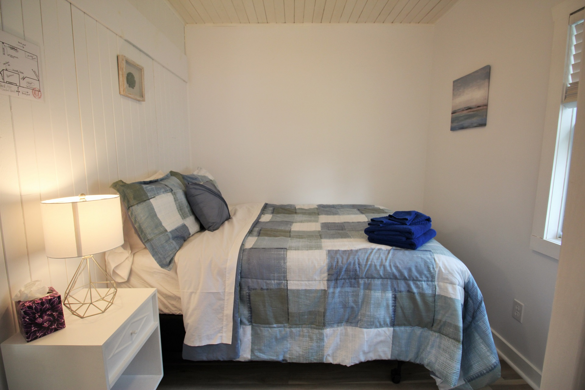 Mary Jane's Haven - bedroom 2 - Crystal Beach - Holiday Homes Property Management