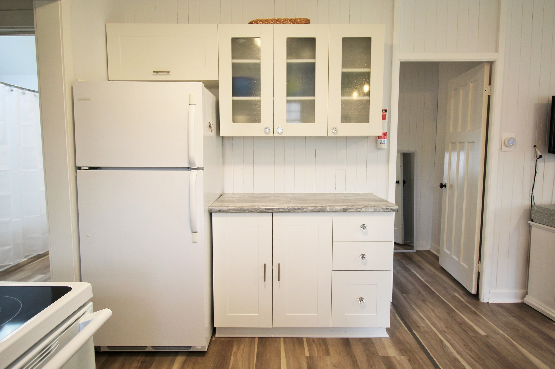 Mary Jane's Haven - kitchen 2 - Crystal Beach - Holiday Homes Property Management