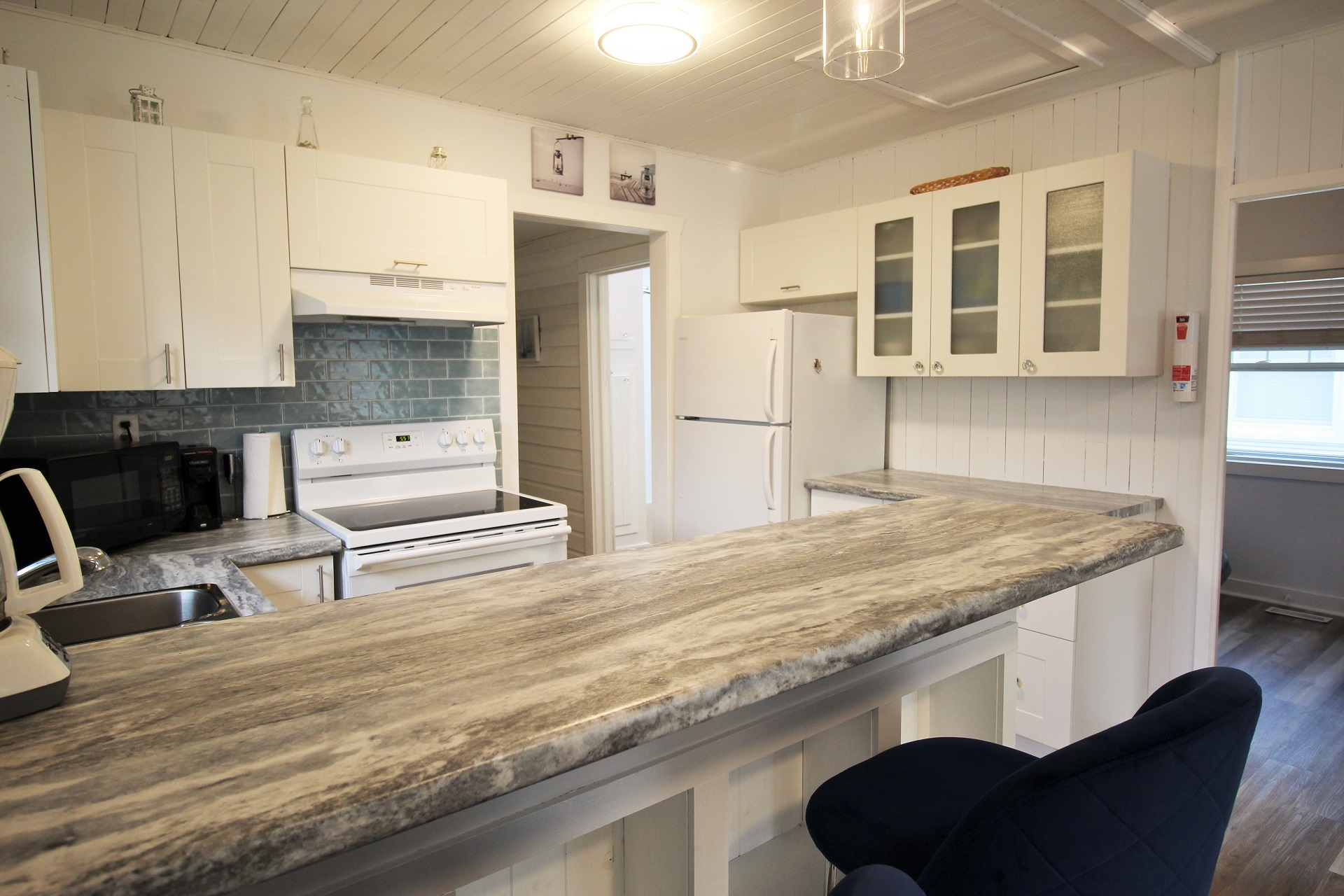 Mary Jane's Haven - kitchen 3 - Crystal Beach - Holiday Homes Property Management