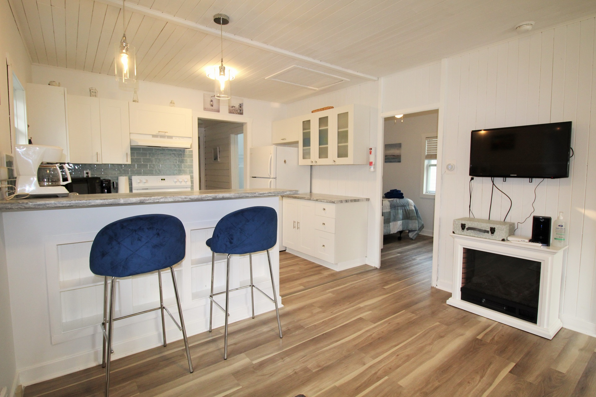 Mary Jane's Haven - kitchen 4 - Crystal Beach - Holiday Homes Property Management