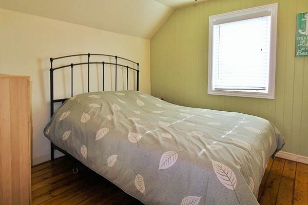 Sandy Shores - Bedroom 3 (queen bed) - Crystal Beach Cottage Rentals (2)