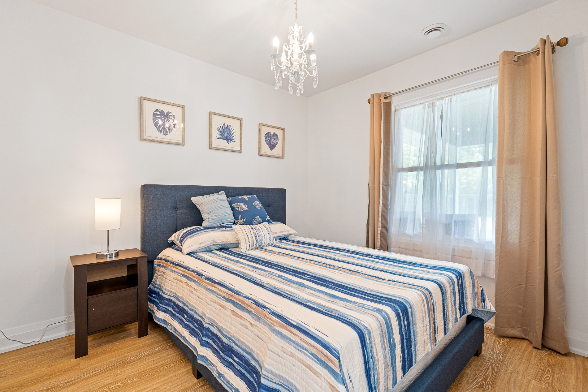 Sapphire Shores - Crystal Beach - Fort Erie Ontario - Vacation Cottage Rental - Bedroom 2