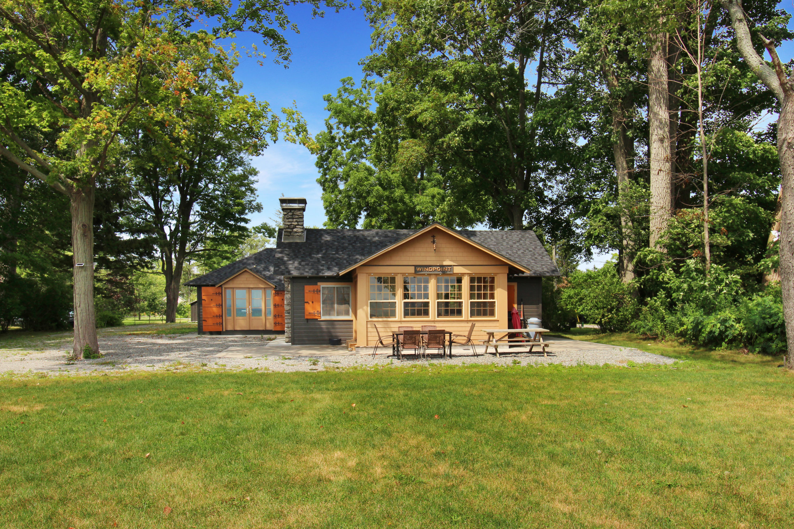Windpoint Cottage - Waterfront Cottage - Beachfront - Lake Erie - waterfront cottages for rent