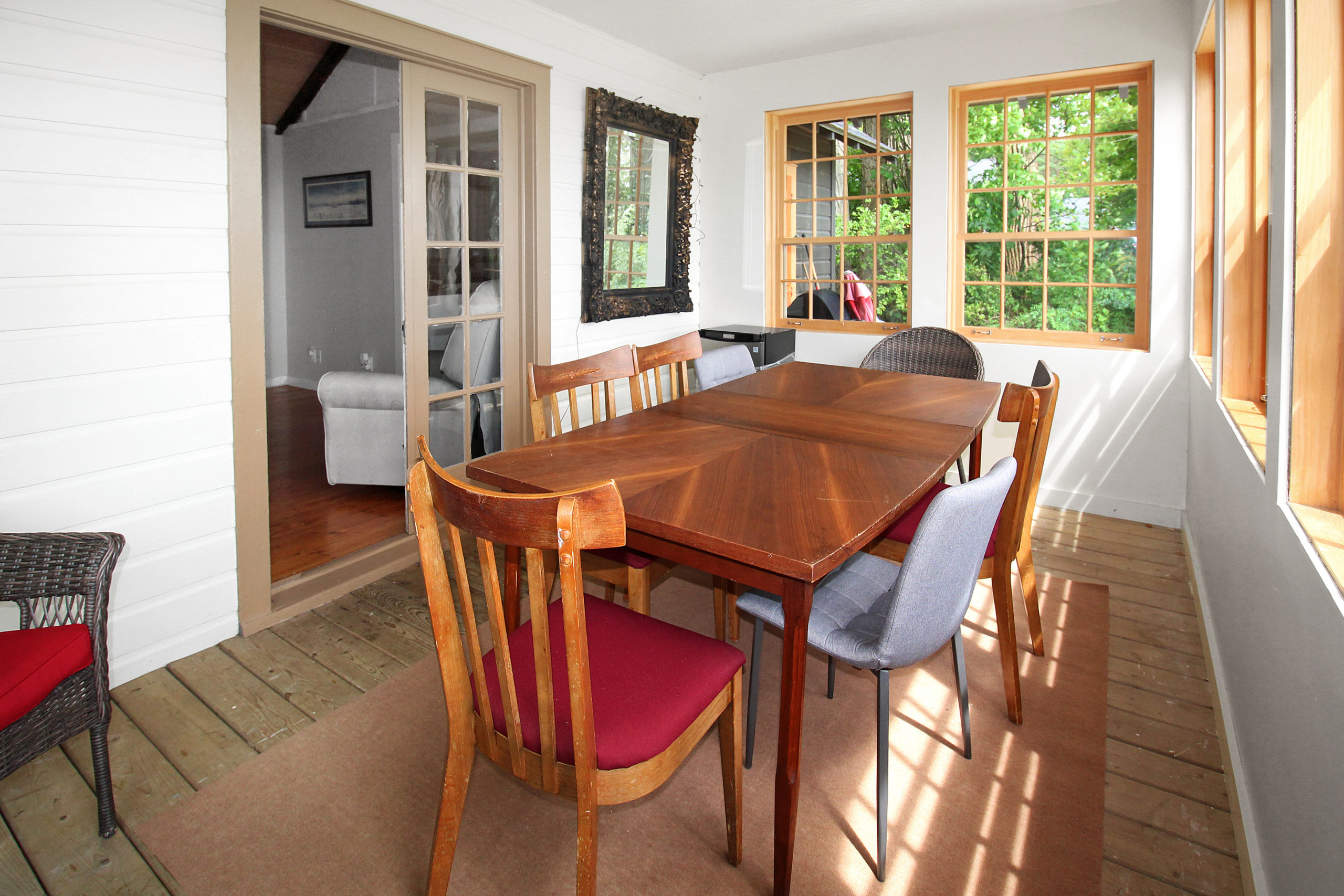 Windpoint Cottage - Waterfront Cottage -Sunroom - Lake Erie - Holiday Homes Property Management