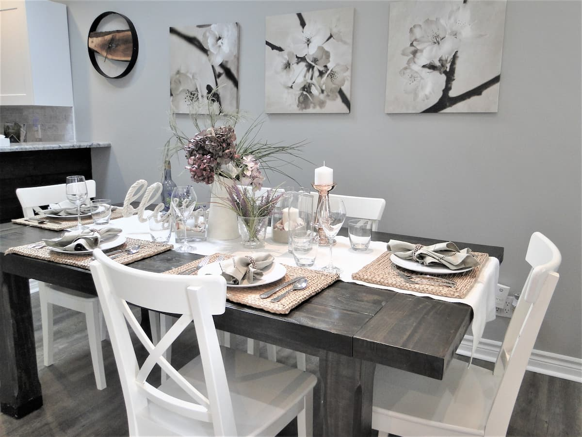 Home Away From Home-Dining Area-Holiday Homes Property Management-Crystal Beach ON