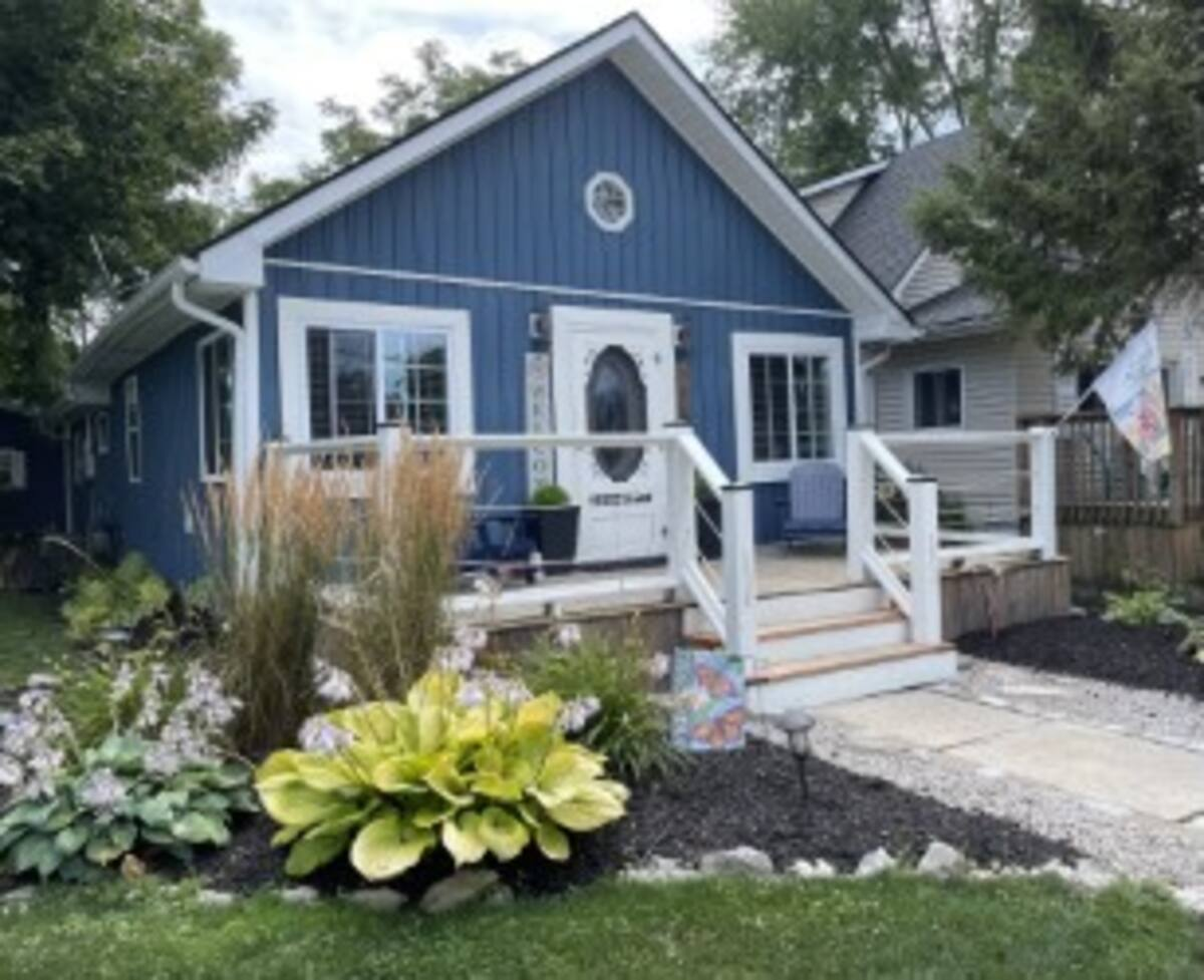 Home Away From Home-Front-Holiday Homes Property Management-Crystal Beach ON